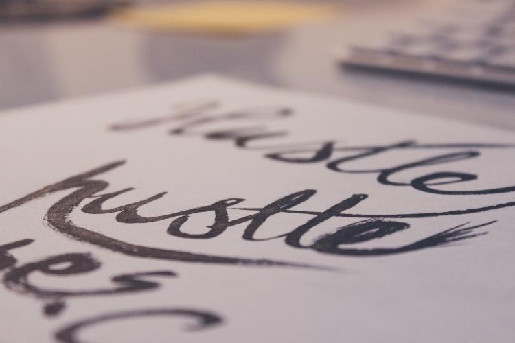 pen-calligraphy-hand-lettering-hustle.jpg