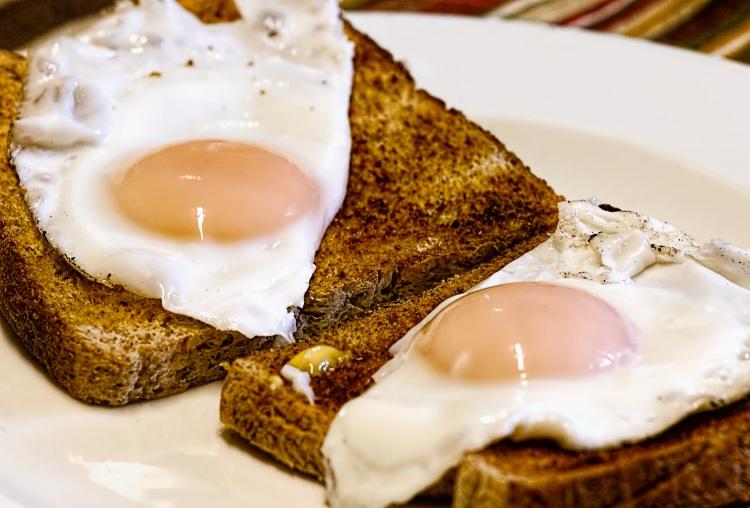 fried-eggs-breakfast-toast-food-50600.jpeg